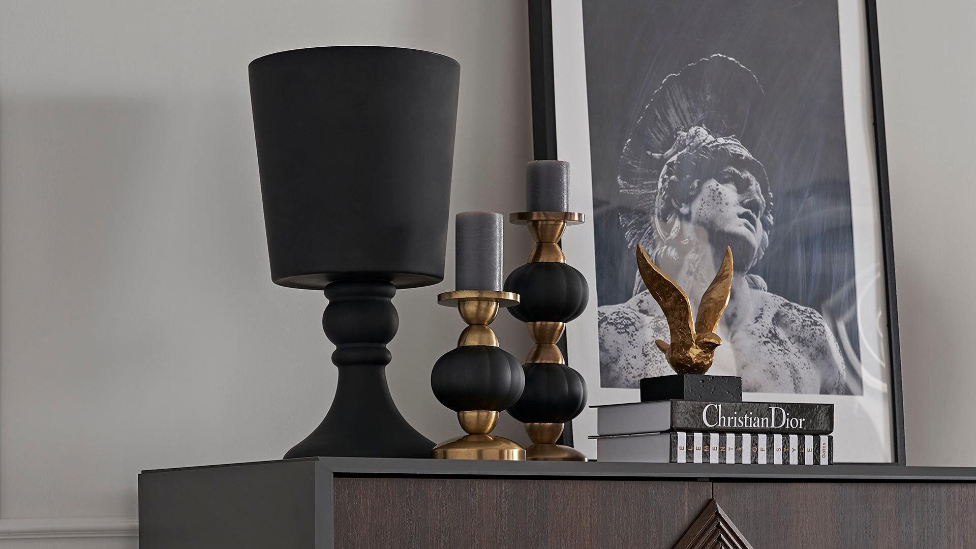 Valentın Siyah Vazo - Büyük