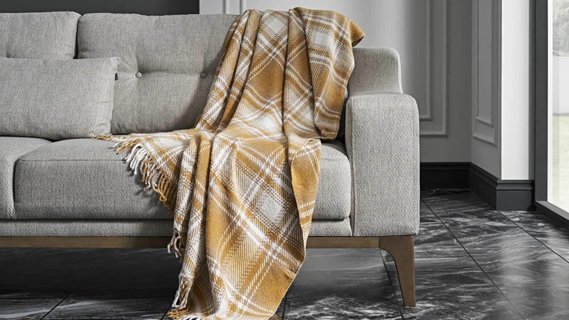 Monte Mustard Blanket